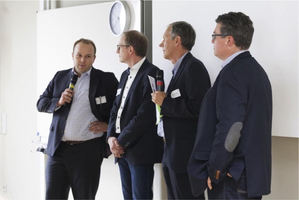 BU:  v.l.n.r: Jörg Petter, Wolfgang Miedl, Prof. Friedemann Reim, Michael Herkens bei der Podiumsdiskussion (Quelle: SharePointForum)
